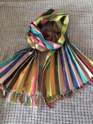 Wunderschöner Schal von Paul Smith mit Fransen