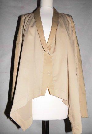 Wunderschöner schwingender Blazer mit Materialmix