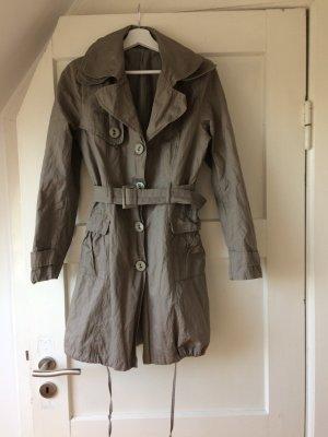 Trenchcoat gris brun