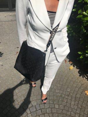 wunderschöner weißer Anzug von Kontatto