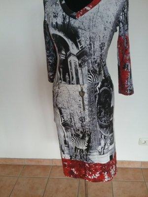 Wunderschönes 3/ 4 Langarm Shirt von JUST CAVALLI in Multicolor!!!TOP Zustand!!!!100% Original(NP 200 Euro!!!)Schnäppchenpreis!!!