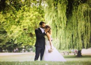 Wunderschönes A-Linie Brautkleid von Enzoani in 40