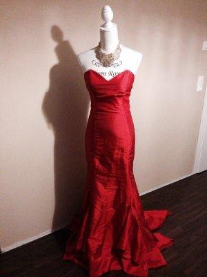 Wunderschönes Abendkleid in rot!