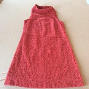 Wunderschönes ärmelloses Kleid, A-Linie in Erdbeer-Rot mit Blumen-Applikation, knielang und gefüttert, Gr. 36