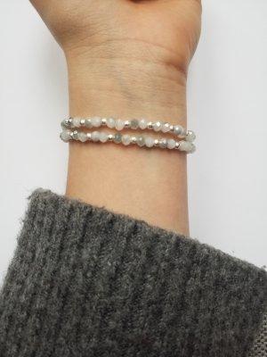 Wunderschönes Armband mit Facettenperlen und silberfarenen glitzernden Zwischenperlen