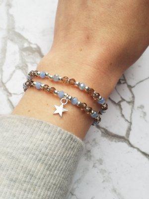 Wunderschönes Armband mit grauen, silberfarbenen und hellblauen Rocaillesperlen