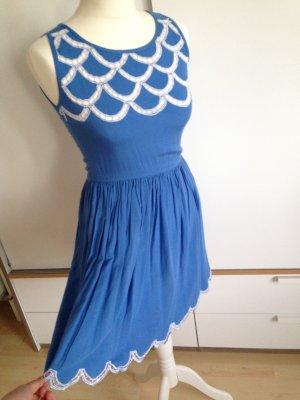 Wunderschönes, blaues Sommerkleid von Sugarhill