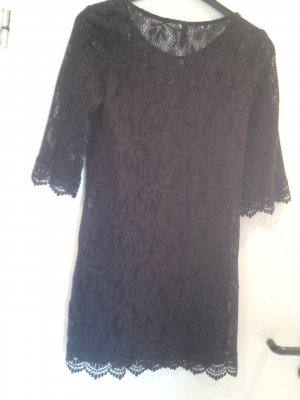 Robe en dentelle noir coton