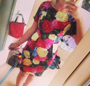 Wunderschönes Blumenmuster Kleid