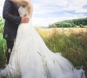 Wunderschönes Brautkleid aus dem Haus Pronovias inkl. Reifrock