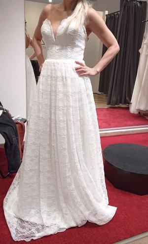 Wunderschönes Brautkleid aus Spitze