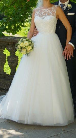 Wunderschönes Brautkleid, Gr. 38, wie neu - mit Tüllrock