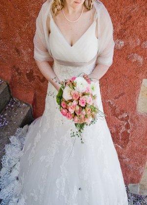 Wunderschönes Brautkleid / Hochzeitskleid mit Spitze / Benjamin Roberts