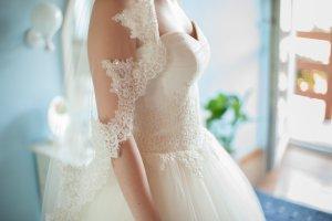 Wunderschönes Brautkleid Prinzessin Spitze Reifrock S 36 + Schleier