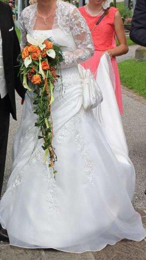 Wunderschönes Brautkleid trägerlos Gr. 36 + Spitzenbolero