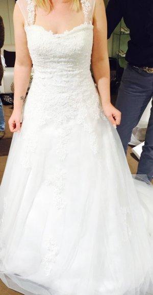wunderschönes Brautkleid ***ungetragen***