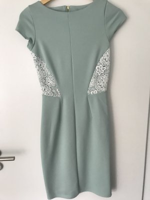 Wunderschönes Closet Kleid in Mint mit Spitze - NEU!