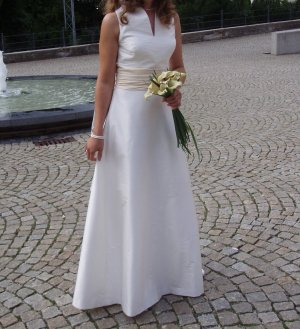 wunderschönes Designer Brautkleid von Raimon Bundo Gr. 36