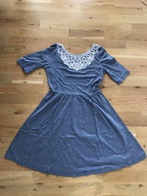 Wunderschönes Even & Odd Kleid