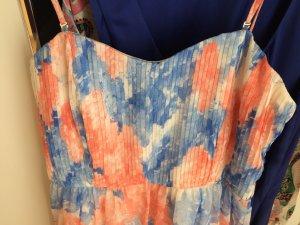 Wunderschönes, fast nagelneues Kleid KIOMI