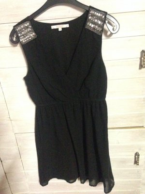 Wunderschönes feierliches Kleid mit Applikationen