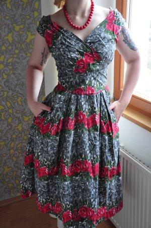 Wunderschönes geblümtes 50s Kleid