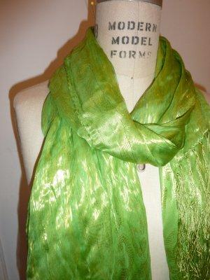 Wunderschönes grünes Tuch mit Goldfäden glänzend