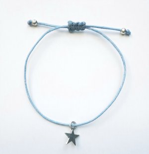 wunderschönes hellblaues Armband mit beweglichem silberfarbenem Stern