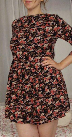 Wunderschönes Herbstkleid mit Blumenmuster, Taille und A-Rock