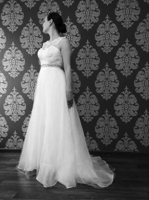 Wunderschönes Hochzeitskleid / Brautkleid in Ivory
