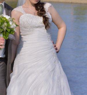 Wunderschönes Hochzeitskleid von Fuchs Moden Gr. 38
