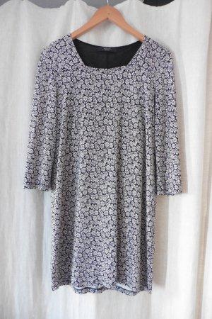 wunderschönes Jersey Blümchen Kleid