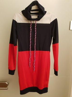 Vestido de tela de sudadera negro-rojo