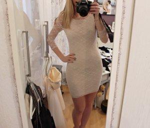Wunderschönes Kleid aus Spitze