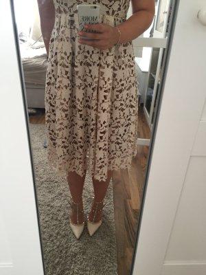 Wunderschönes Kleid aus Spitze wie Selfportrait