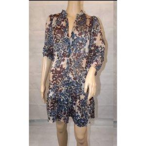 Wunderschönes Kleid Blogger mit Blumenmuster