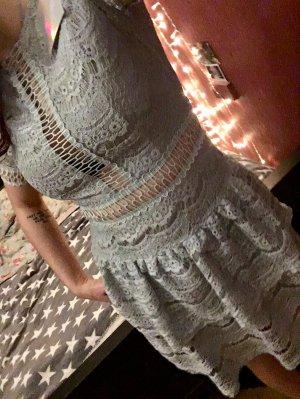 Wunderschönes Kleid in Eisblau (neu mit Etikett)