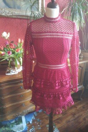 Romeo & Juliet Couture Vestido de encaje rojo frambuesa