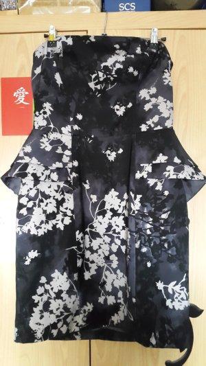 Wunderschönes Kleid mit Blumenmuster