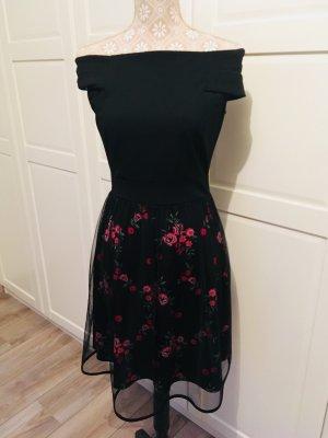 Wunderschönes Kleid mit Blumenunterrock