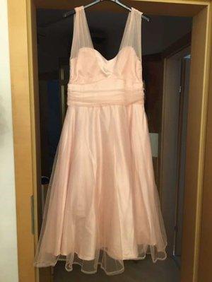 Wunderschönes Kleid mit Herzauschnitt