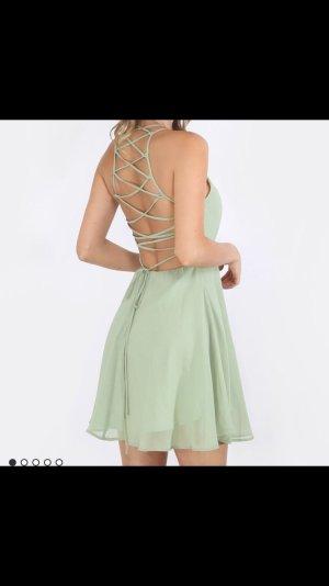 Wunderschönes Kleid mit rückenausschnitt