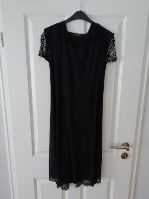 wunderschönes Kleid mit schwarzer Tunika