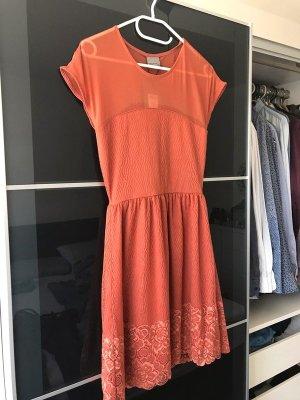 Wunderschönes Kleid mit Spitze, rostrot/orange, Gr. 34/XS