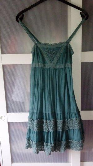 Wunderschönes Kleid mit Spitze von Hallhuber