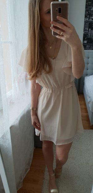 Wunderschönes Kleid mit Volant #rüschen