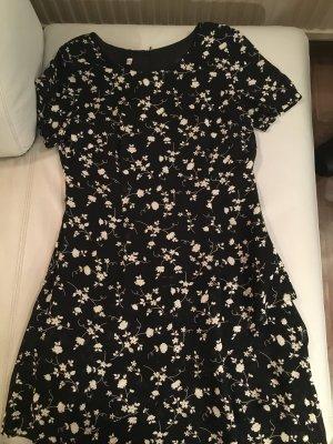 Wunderschönes Kleid mit Volants, schwarz mit weißen Blumen, Gr. 38, wie NEU