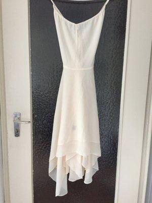 Wunderschönes Kleid von Ark&Co. Mit tiefem Rückenausschnitt