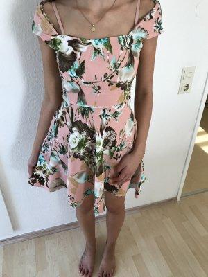 Wunderschönes Kleid von Boohoo