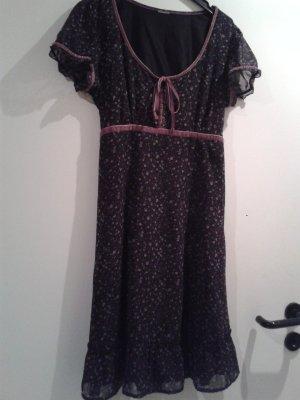 wunderschönes Kleidchen / Kleid / Dirndel ähnlich /m Volant ESPRIT - wie NEU